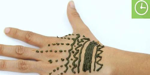 طراحی دست با حنا