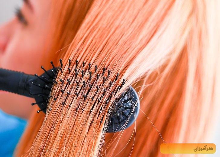 برس کشیدن مو